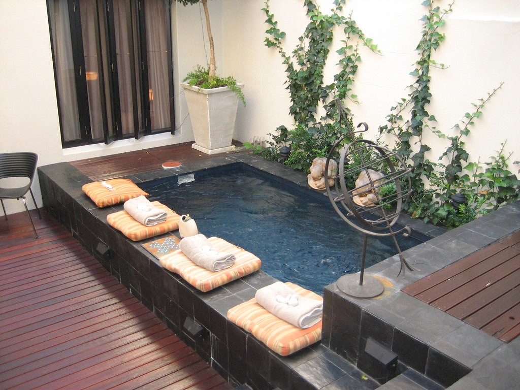 Plunge Swimming Pool At Hotel