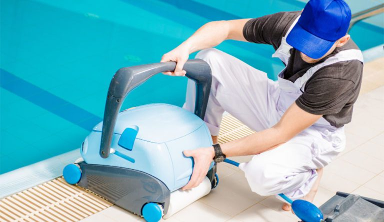 How Does A Pool Vacuum Work?